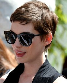 """Anne Hathaway Pixie Hairstyle """"The Dark Knight Rises"""""""
