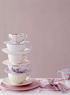 i love tea cups...