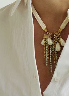 Material: brass, 18k gold plate, polyester, simulated pearl, swarovski / Size: length 42cm, pendant length 8cm