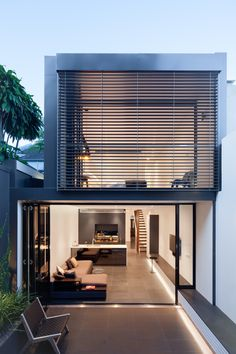 Architecture by Niven Choi Architects in Sydney, Australia. Minimalist House Design, Small House Design, Minimalist Home, Modern House Design, Design Exterior, Modern Exterior, Narrow House, Loft House, Loft Design
