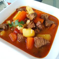 Meatballs stew with vegetables is a comforting dish that you will love! You can make it with any veggies you have in your refrigerator. Beef Recipes, Soup Recipes, Dinner Recipes, Cooking Recipes, Healthy Recipes, Dinner Ideas, Meatball Stew, Turkey Meatballs, Turkish Recipes