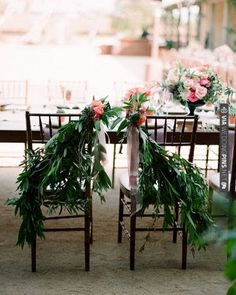 Take advantage of summer's lush greenery by incorporating it into your decor | VIA #WEDDINGPINS.NET
