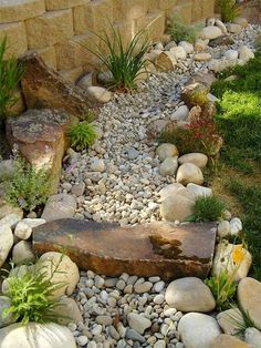 Garden Landscaping Ideas for Front and Backyard - MORFLORA Awesome Dry River Bed Landscaping Design Ideas You Have Owned On Your Garden Landscaping With Rocks, Front Yard Landscaping, Landscaping Ideas, Dry Riverbed Landscaping, River Rock Landscaping, Landscaping Software, Rock Garden Design, Fence Design, Garden Inspiration