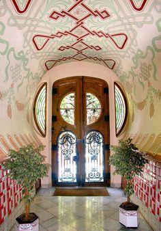 Door Art Nouveau, Door at Casa Sala, Barcelona, Spain - Architect: Domènec Boada i Piera - Watsonette Art Nouveau Architecture, Art And Architecture, Architecture Details, Windows Architecture, Cool Doors, Unique Doors, Art Deco, Grand Entrance, Door Knockers