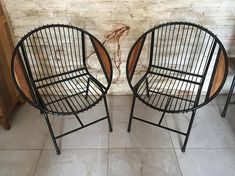 Lounge Chair - Iron and Wood Industry Style - Armchair in industrial style is a combination of wood and iron. Bedroom Balcony, Lounge Chair, Interior Concept, Industrial Style, Armchair, Relax, Iron, Cabinet, Pillows