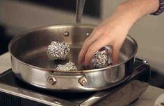 En nuestro día a día tenemos muchas alternativas a la hora de cocinar los alimentos. Podemos usar la plancha, el horno, la freidora, etc. Cada procedimiento le da un sabor diferente a la comida, y también los deja con una textura distinta.    Sin duda, de todas las alternativas que hay a la hora