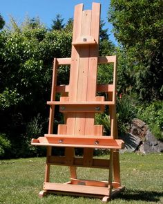 Art Easel Plan is a 28 page ebook of instructions (with pictures and diagrams) on how to build an adjustable, professional, wood easel that can Art Easel, Outdoor Chairs, Outdoor Decor, Building A Shed, Building Plans, Small Canvas, Art Studios, Design Studios, Woodworking