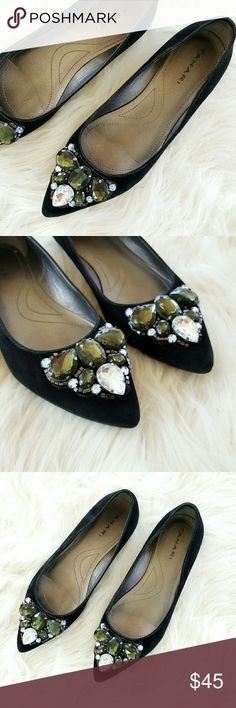 """TAHARI 