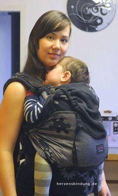 """10 Tage vor der Geburt des Kleinsten """"smile""""-Emoticon Eine Toddler aus einem Gears von Natibaby"""