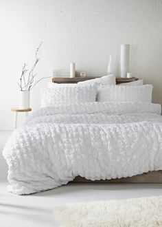 Freshen your bedroom interior with this seersucker duvet cover, crafted in 100 cotton for a cool and comfortable sleep. The style is finished in crisp. White Duvet Covers, Bed Duvet Covers, Duvet Sets, Modern Duvet Covers, White Duvet Bedding, Bedding Master Bedroom, Luxury Bedding, Bedding Decor, Sage Bedroom