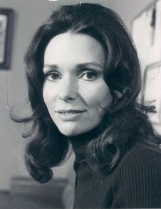 Film and TV actress Susan Strasberg was born today 5-22 in 1938. She worked in a lot of TV, starting in the 50s and was a close to Marilyn Monroe with her dad and mom's association with Marilyn as acting coachs in the 50s. Susan passed in 1999 from breast cancer.