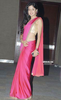 Beautiful Girl Indian, Most Beautiful Indian Actress, Beautiful Saree, Indian Bridal Lehenga, Indian Beauty Saree, Indian Sarees, Cotton Saree Designs, Saree Blouse Designs, Trendy Sarees