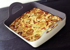 Onion pie (recipe in Finnish)