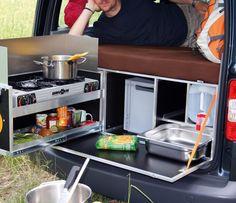 QUQUQ Cooks Up Campingbox Car
