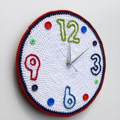Items similar to Crochet clock with surface embroidered numbers and buttons - as featured in Simply Crochet magazine on Etsy Crochet Diy, Crochet Belt, Crochet Mouse, Crochet Home Decor, Crochet Gifts, Eclectic Wall Clocks, Simply Crochet, Diy Clock, Crochet Magazine