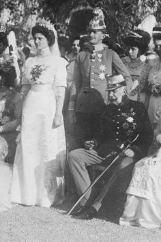 Karl and Zita were married at the Schwarzau castle on 21 October They had eight children. Sitting on the left Emperor Franz Joseph. Parma, World War I, Old World, Kaiser Karl, Romanov Sisters, Austrian Empire, Austro Hungarian, Elisabeth, Ludwig