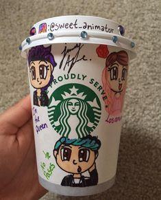 Starbucks Drinks, Starbucks Coffee, Hot Coffee, Coffee Cups, Best Friends Forever, Kawaii Anime, Lol, Cool Stuff, Tableware