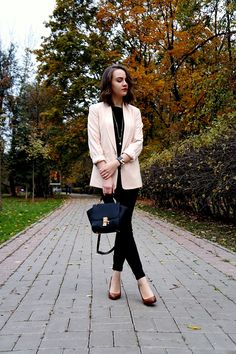 This week's Chic is beautiful in blush!