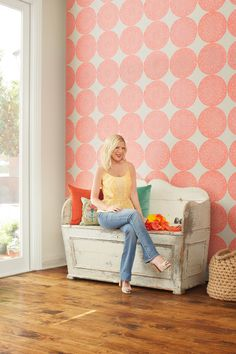 A small project with a huge impact: DIY diva Tori Spelling transforms her entryway on the cheap, using paper doilies as wall decor.