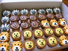 Animal Jungle Safari Lion Zebra Monkey Tiger #Cupcakes #Animals #BabyShower #KidsBirthday #Zoo