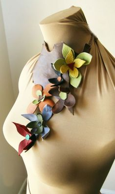 Handmade leather choker with leather flowers..nice!: