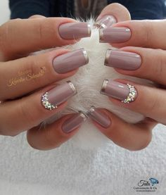 New french manicure colors rose gold 20 ideas Silver French Manicure, French Manicure Designs, French Nails, Nail Art Designs, French Manicures, Pedicure Designs, Glitter Manicure, Manicure Colors, Nail Colors