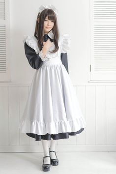 Maid Cosplay, Cosplay Girls, Beautiful Japanese Girl, Beautiful Asian Girls, Girly Outfits, Fashion Outfits, Maid Uniform, Maid Outfit, Wedding Bridesmaid Dresses