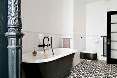 Weisse Subway-Plättli in diesem Stil für Du/WC (halb hoch mit eine Fries rundherum). Bodenplättli sind auch schön.