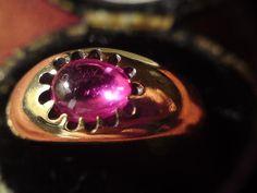 Edwardian claws setting single stone cabochon cut Ruby & 18ct 18 carat gold ring