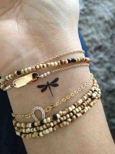 21 TATUAJES DIMINUTOS o enanos (pero no de enanos) mismilyun.com � Ibuki (I really do not know what this says but I love size and style of this dragonfly)