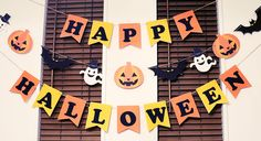 ハロウィンガーランド Halloween Birthday, Halloween 2017, Baby Halloween, Halloween Crafts, Holiday Crafts, October Crafts, Halloween Celebration, Diy Halloween Decorations, Fall Decor