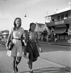 Malioboro 1948 Old Pictures, Old Photos, Indonesian Women, Dutch East Indies, Gray Aesthetic, History Photos, Yogyakarta, Historical Pictures, Illustrations And Posters