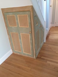 paint the cupboard under the stairs_23 at Let's build a cupboard under the stairs! Under Stairs Nook, Under Stairs Cupboard, Stairs Storage Drawers, Stair Storage, Exterior Patio Doors, Sliding Patio Doors, Staircase Shelves, Staircase Design, Foyers