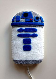 R2D2 Phone Cozy by Life Geekery.