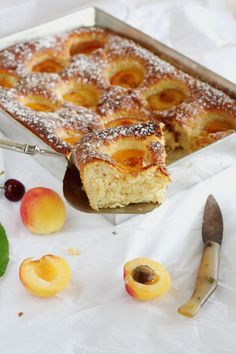 Mi Gran Diversión: Coca de albaricoques mallorquina Cake Recipes, Dessert Recipes, Desserts, Dessert Ideas, Chocolates, Sweet Little Things, Chicken Salad Recipes, Sweet And Salty, Coffee Cake