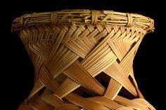 Kagedo Japanese Art Iizuka Rokansai, Flower Basket titled: Seikai or Quiet Sea - Kagedo Japanese Art Bamboo Weaving, Basket Weaving, Hand Weaving, Japanese Bamboo, Japanese Art, Bamboo Art, Bamboo Ideas, Wood Sculpture, Sculptures