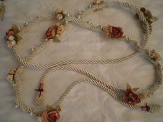 Lazo de flores para el Ritual de Atadura de manos que se usa en un Matrimonio Simbólico