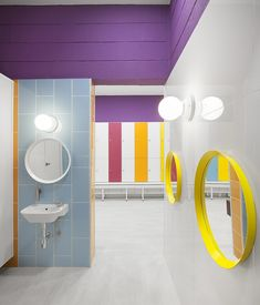 View the full picture gallery of Kalorias Club Montijo School Bathroom, Bathroom Kids, Diy Bathroom Decor, Family Bathroom, Daycare Design, School Design, Bad Inspiration, Bathroom Inspiration, Design Furniture