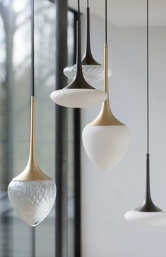 ❥ group of lights with natural shapes and patterns. black and gold