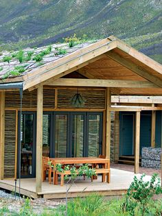 23 affordable weekend getaways near Cape Town Oudebosch Eco Cabins – This would make a great family trip for Eco Cabin, Cabin Homes, Holiday Destinations, Amazing Destinations, Modular Log Homes, Modern Log Cabins, Travel Europe Cheap, Christmas In Europe, Visiting Nyc