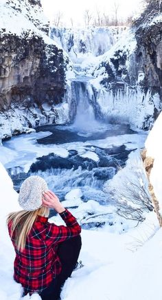 Finding hidden waterfalls in Oregon // White River Falls