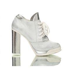 zdjęcie buty damskie - srebrne botki
