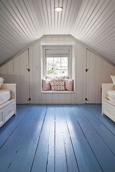 5 Clear Tricks: Attic Study Decor old attic painted floors.Finished Attic Before And After finished attic on a budget. Attic Bedrooms, Bedroom Loft, Garage Bedroom, Clean Bedroom, Loft Room, Master Bedroom, Bedroom Decor, Attic Renovation, Attic Remodel
