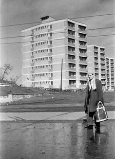 Selyemrét, Kőrösi Csoma utcai házak. Hungary, Multi Story Building