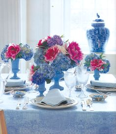 Carolyn Roehm: brunch in blue
