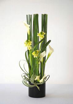 Ikebana Flower Arrangement, Church Flower Arrangements, Beautiful Flower Arrangements, Flower Vases, Flower Art, Beautiful Flowers, Home Flowers, Butterfly Flowers, Deco Floral