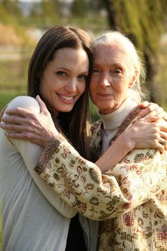 Angelina Jolie and Jane Goodall. So Lucky to have meet Jane Goodall. Angelina Jolie, Jolie Pitt, Jane Goodall, Beautiful Soul, Beautiful People, Beautiful Women, Great Women, Amazing Women, Portraits