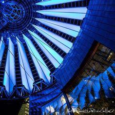 #architecture #berlin #germany #contemporay #helmutjahn #rafaelmoneo #richardrogers #renzopiano #blue #flower #postdamerplatz #TagBoard #comeawaywithme #igerseverywhere #wanderlust #travel #adventures #BeCurious #LaPellicolaCheNonCe #photography
