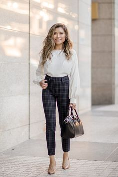 20 Chic Work Outfits Women for Summer - Work Outfits Women Spring Outfits Women, Fall Outfits For Work, Casual Work Outfits, Business Casual Outfits, Professional Outfits, Work Attire, Classy Outfits, Stylish Outfits, Winter Outfits