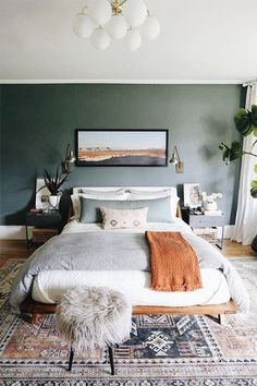 Are Dark Green Walls the New White Walls? (Short Answer: We Think Maybe) Are Dark Green Walls the New White Walls? (Short Answer: We Think Maybe) - Emily Henderson Home Decor Bedroom, Home Bedroom, Dark Green Walls, Bedroom Interior, Bedroom Makeover, Bedroom Design, Bedroom Green, Home Decor, Apartment Decor